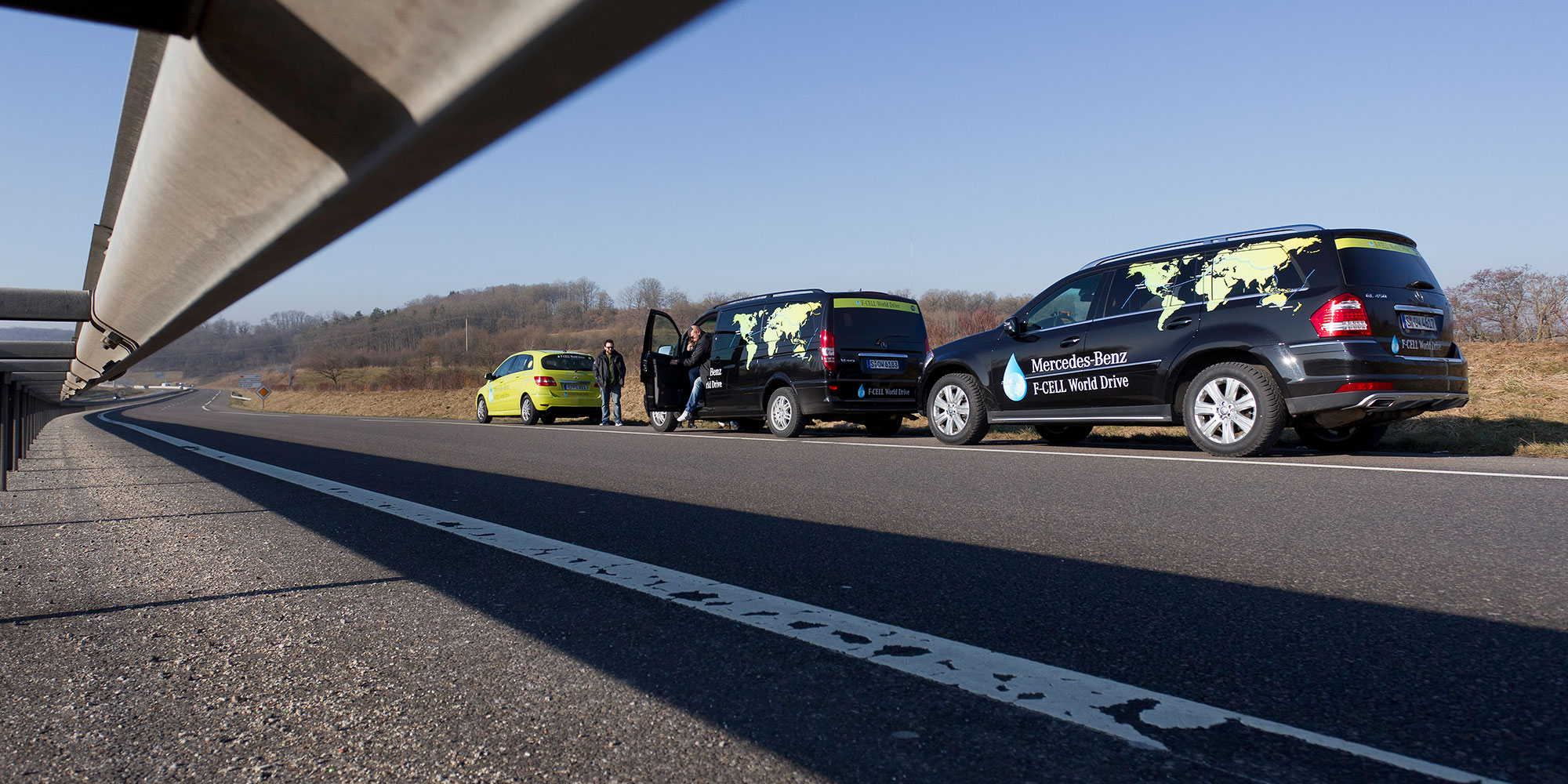 Fahrzeugbeklebung F-Cell World Drive